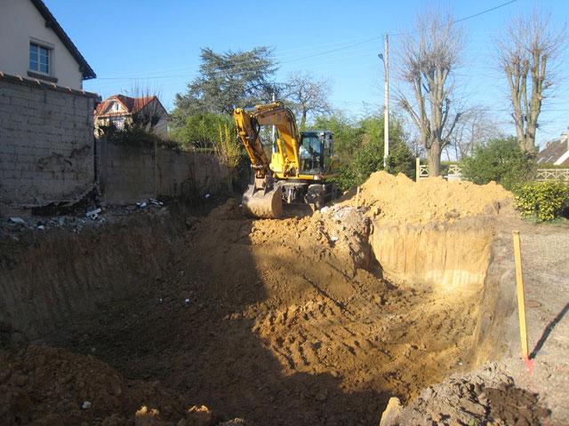 début des travaux de la maison en bois douglas à Montlignon 7 mars 2011