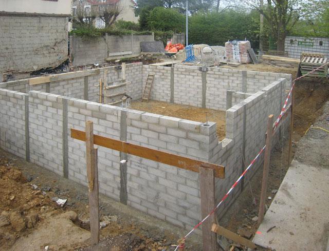chantier de la maison en bois douglas à Montlignon 4 avril 2011