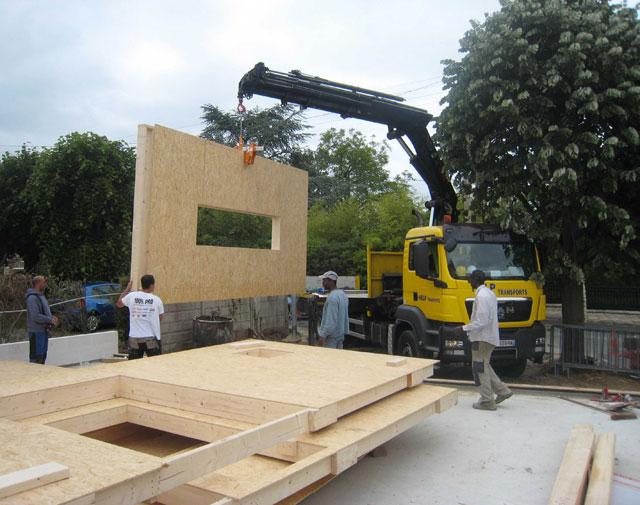 chantier de la maison en bois douglas à Montlignon 16 mai 2011