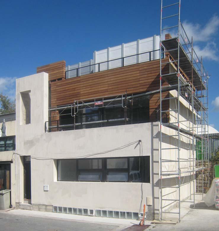 achevement de la maison ecologique de style industriel SO'House à Saint Ouen